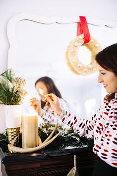 5 Holiday Hostess Tips | theglitterguide.com