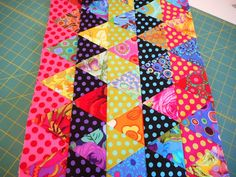Lap Quilts, Scrappy Quilts, Small Quilts, Quilt Blocks, Quilting Tutorials, Quilting Projects, Quilting Ideas, Polka Dot Quilts, Skinny Quilts