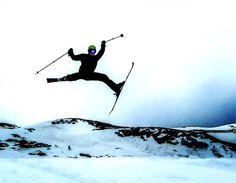 #Skiing motivates us to build our goods. *** credit to @martinbruaset #mountrobson #berklaketrail #explorebritishcolumbia #mtrobson #berglake #choosemountains #alpineclubofcanada #MyJasper #tourismjasper #jaspernationalpark #BCParks #mybanff #canadianrockies #parkscanada #thecanadiancollective #grippedmagazine #ourbc #ilovebc #sharecangeo #outsidemagazine #climbingmagazine #rockandicemag #climbingmag #liveclimbrepeat #alpinism #alpineclimbing #climbingphotography #hellobc
