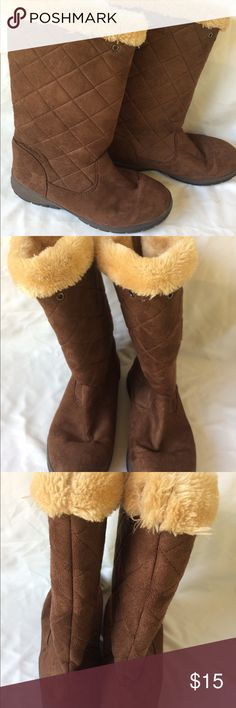 ITASCA Brown Boots with Fleece Lining EUC ITASCA Brown Boots with Fleece lining at the top there is a small piece on Fleece missing see picture not noticeable Item comes from smoke and pet friendly home ITASCA Shoes Winter & Rain Boots