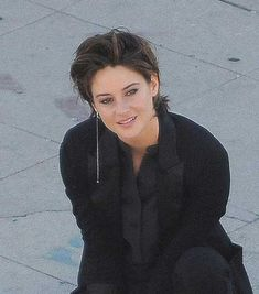 15 of Shailene Woodley's Most Gorgeous Short Hairstyles: #14. Cool Style