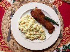 Smaženého kapra s bramborovým salátem nemusíme brát pouze jako tradiční štědrovečerní menu, ale můžeme si ho dopřát kdykoliv během roku. Grains, Food, Essen, Meals, Seeds, Yemek, Eten, Korn