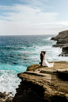 bride and groom portraits on a cliff overviewing the ocean in Oahu Hawaii Image by Karina and Maks Photography Wedding Photoshoot, Wedding Pictures, Wedding Ideas, Wedding Menu, Wedding Details, Wedding Ceremony, Destination Wedding, Perfect Wedding, Dream Wedding