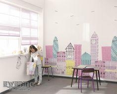 Alice & Paul 18 - Ein großes Wandbild mit Häusern und Sehenswürdigkeiten wird zum Highlight im Kinderzimmer.