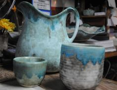 McCarty Pottery ❤❤❤ Fell in love with the small cup in a magazine and have become slightly obsessed. A trip to Merigold, MS, might be in my near future. Mccarty Pottery, Ceramic Pottery, Pottery Art, Pottery Houses, Ceramic Pitcher, Pottery Making, Coffee Set, Ceramic Artists, Dog Harness