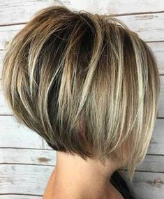 Classy Short Bob Haircuts 2018 For Women -Whatever shape your face? Classy Short Bob Haircuts 2018 For Women -Whatever shape. Layered Bob Short, Short Hair With Layers, Short Hair Cuts, Short Hair Styles, Short Layered Bobs, Angled Bobs, Short Inverted Bob, Short Graduated Bob, Short Pixie