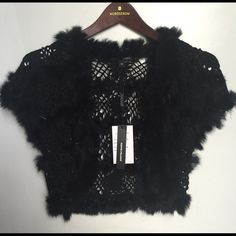 Peppe Peluso Crochet & Fur Cropped Cardigan Sophistication and Elegance! Dress it up layered over a cocktail dress, or dress it down with a tank and boyfriend jeans• Crochet with Fur Trim• Cropped • Pepe Peluso Sweaters Cardigans