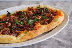 What's Cookin, Chicago?: Sausage & Caramelized Onions Flatbread