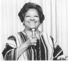 Graciela Grillo Pérez Conocida como Graciela o La Primera Dama del Jazz Latino. Nace en La Habana, Cuba, el 23 de agosto de 1915. Fallece en Nueva York, Estados Unidos; el 7 de abril del 2010. Fue fundadora, en 1933, de la orquesta femenina Anacaona grabó numerosos discos con la banda de Machito, actuó junto a:Sarah Vaughan,Ella Fitgerald, Lester Young y El trío de Nat King Cole. Obtuvo el premio Grammy Latino a la excelencia musical, por los logros de toda una carrera.