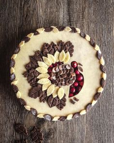 A good pie is the (tur)key to our hearts 💕 certainly nailed it with her cranberry pie with chocolate and butter pastry! 🤤 What are you excited to make this Thanksgiving? Thanksgiving Desserts, Holiday Desserts, Holiday Baking, Holiday Treats, Holiday Recipes, Thanksgiving Turkey, Happy Thanksgiving, Butter Pastry, Pie Crust Designs