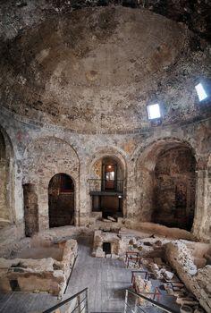 Catania's Teme della Rotonda. www.italianways.com/truth-and-beauty-at-the-rotundas-thermal-baths-in-catania/ #sicily #italy #travelitaly