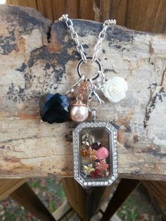 Origami Owl Heritage Locket with Fall charms.