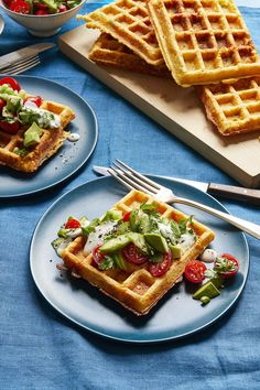 These easy corn waffles are dressed with a flavor-packed tomato herb salad making them a healthy brunch dish. Dinner Recipes For Kids, Brunch Recipes, Breakfast Recipes, Breakfast Ideas, Health Breakfast, Waffle Recipes, Bread Recipes, Healthy Brunch, Healthy Work Snacks