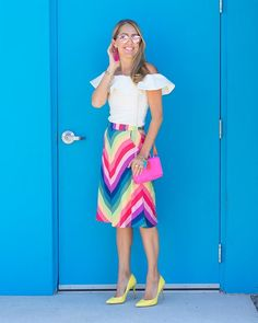 J's Everyday Fashion provides outfit ideas, budget fashion, shopping on a budget, personal style inspiration, and tips on what to wear. Colourful Outfits, Girly Outfits, Office Outfits, Colorful Fashion, Dress Shorts Outfit, Skirt Outfits, Skirt Fashion, Fashion Dresses, Js Everyday Fashion