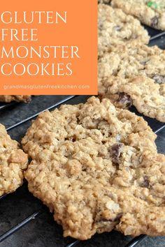 Gluten Free Monster Cookies Easy Gluten Free Desserts, Gluten Free Oats, Gluten Free Cookies, Gluten Free Recipes, Gluten Free Kitchen, Peanut Butter Oatmeal, Cookie Do, Gluten Intolerance, Oatmeal Cookies
