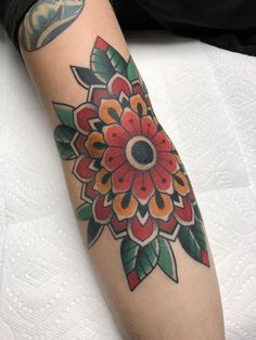Traditional flower on the elbow by Graham Beech at Made To Last Tattoo Charlotte… Sunflower tattoo – Top Fashion Tattoos Sunflower Tattoo Meaning, Sunflower Tattoo Simple, Sunflower Tattoo Sleeve, Sunflower Tattoo Shoulder, Sunflower Tattoos, Sunflower Tattoo Design, Cover Up Tattoos, Leg Tattoos, Black Tattoos