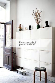 10 solutions simples de meubles à détourner ou à construire pour ranger et organiser les chaussures de toute la famille.