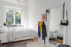 renovated-1930s-apartment-is-fun-and-fabulous-bed-2.jpg