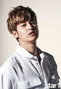 After a long wait, iKON has made a bold comeback. After improving their skills in pre-debut YG Entertainment trainee survival programs 'WIN: WHO IS NEXT' and 'MIX & MATCH̵… Kim Jinhwan, Chanwoo Ikon, Yg Entertainment, Mix And Match Ikon, Winner Ikon, Jay Song, Ikon Kpop, Ikon Debut, Korea