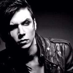 Andy in black and white. Mmm. cx