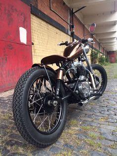 jd-kd: Royal Enfield 500 Bobber #motorcycles #bobber #motos   caferacerpasion.com