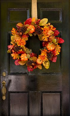 I love decorating for fall. As in past years, I wanted some new ideas to put a fresh look on my fall decor, especially out on the porch.