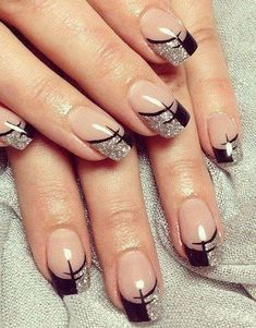 60 Fall Nail Art Trends to Start Wearing Now Try out these autumn nails this season and grab compliments from your pals. Have a cool and windy autumn season. French Nail Designs, Gel Nail Designs, Cute Nail Designs, Nails Design, Fancy Nails, Trendy Nails, Cute Nails, Pretty Nail Art, Beautiful Nail Art