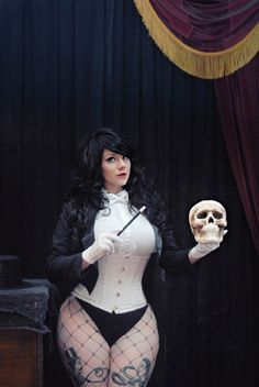 Zatanna Cosplay http://geekxgirls.com/article.php?ID=1372