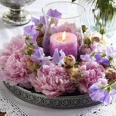 شمع و گل هميشه قشنگه✨✨