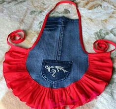 Have a pair of jeans that you no longer love? Here are some ways you can repurpose old jeans and turn them into awesome and handy crafts. Jean Crafts, Denim Crafts, Artisanats Denim, Jean Apron, Dog Clothes Patterns, Denim Ideas, Apron Designs, Sewing Aprons, Aprons Vintage