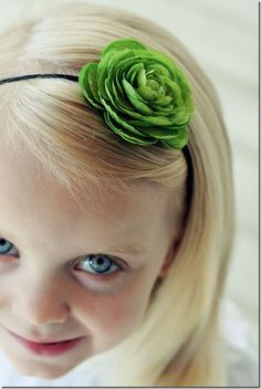 DIY Hairbands.. think I'm gonna have to make some of these for my girls for Christmas.