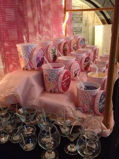 Change your fragrance, change lives! Sprinkle Candle bars are fun and interactive events only from Pink Zebra! Birthday parties, baby showers, weddings, etc. Pink Zebra Party, Pink Zebra Home, Pink Zebra Sprinkles, Zebra Wedding, Pink Zebra Consultant, Wedding Favors, Wedding Ideas, Wedding Decor