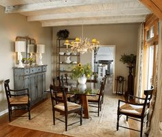 Artistic decoration for rustic buffet table in dining room #diningroomdecorideas