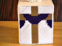 Easter Cross Tissue Box Cover plastic canvas by ShanaysCreation
