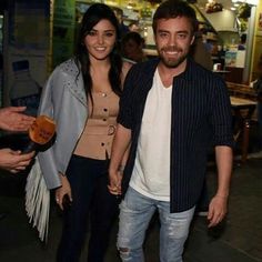 Hande Ercel, Turkish Actors, Cute Couples, Celebrities, People, Sweaters, Pants, Beauty, Beautiful