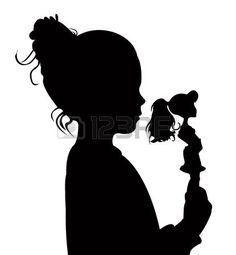 BAMBINO CHE GIOCA CON LE BAMBOLE: bambino bambino tenendo il suo giocattolo del bambino silhouette vector Vettoriali