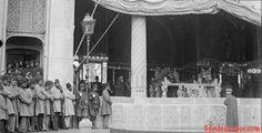 naseredin shah  عکسی تاریخی و کمتر دیده شده از ناصرالدین شاه قاجار  این عکس از مراسم سلام با حضور ناصرالدین شاه در کاخ گلستان میباشد.