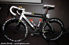 2010_tour_down_under_cadel_evans_world_champion_rainbow_bmc_racing_bike2.jpg 694×460 pixels