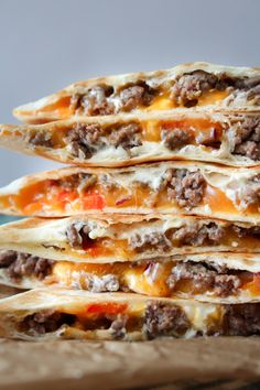 Quesadillas Med Oksekød – One Kitchen – A Thousand Ideas Good Healthy Recipes, Veggie Recipes, Fast Recipes, Cooking Recipes, Healthy Breakfast For Kids, Danish Food, Sandwiches, Clean Eating Dinner, Dessert For Dinner