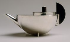 Tea infuser and strainer