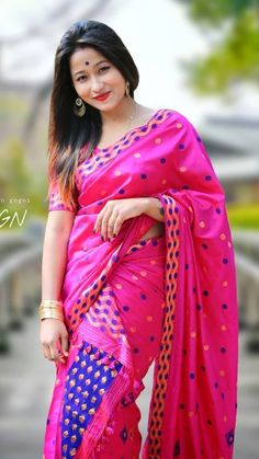 002 Pretty Woman from North East India Beautiful Girl Indian, Beautiful Saree, Indian Beauty Saree, Indian Sarees, North East Indian, Mekhela Chador, Nazriya Nazim, Aunty In Saree, India Fashion