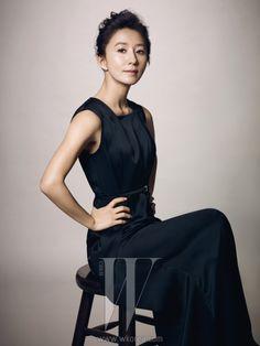 Kim Hee Ae, Korean actress and face for SK-II Korea. (and 46 years old! Korean Beauty, Asian Beauty, Lee Bo Young, W Korea, Bridal Mask, Korean Ulzzang, Asian Celebrities, Korean Actresses, Korean Women