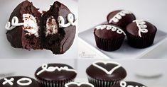 Homemade Hostess Cupcakes Recipe - http://cakesmania.net/homemade-hostess-cupcakes-recipe/