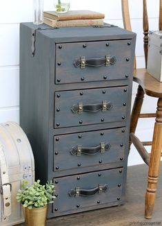 Create an antique steamer trunk with Chalk Paint and decorative accessories - this vintage trunk nightstand is stunning industrial decor.  Painted furniture and decor ideas by Girl in the Garage Diy Furniture Renovation, Diy Furniture Projects, Furniture Makeover, Painted Furniture, Salvaged Furniture, Diy Projects, Refinished Furniture, Furniture Refinishing, Small Nightstand