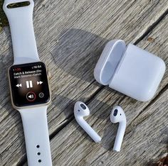 The brand new apple watch includes many brand-new benefits. This specific smart watch is without a doubt all you will ever want for your day . Apple Watch Iphone, Apple Watch Accessories, Iphone Accessories, Apple Watch Series 3, Apple Watch Bands, Smartwatch, Apple Coque, Telephone Smartphone, Apple Store