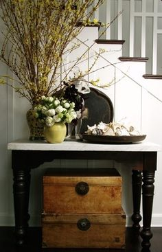 Beach Home Decorating: Black Painted Furniture