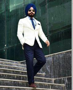 Poo Blazer Outfits Men, Blazer Fashion, Fashion Outfits, Kurta Pajama Men, Men Dress Up, Indian Men Fashion, Mens Fashion, Stylish Sarees, Three Piece Suit