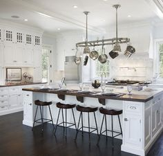 GEORGICA POND: The dream home - kitchen