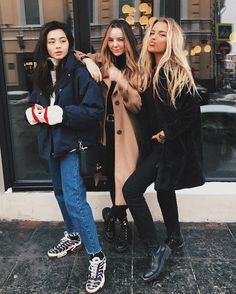 Lucky, Jena, and Kiersten Uni Fashion, Chicago Fashion, Winter Fashion, Womens Fashion, Fashion 2018, Kim Basinger, Cold Weather Outfits, Winter Outfits, Outfits Otoño