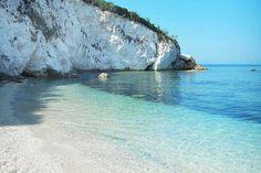 Spiaggia della Padulella, scopri i nostri appartamenti all'Elba su www.elbanet.biz